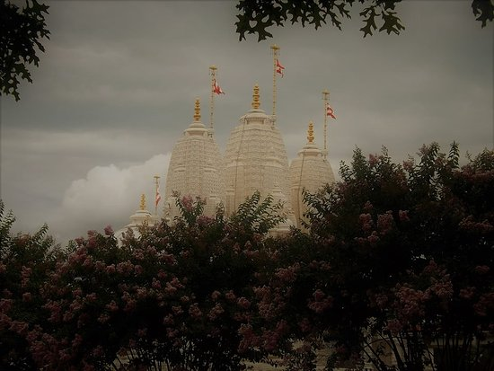 "Lilburn, Geórgia: ""A Mandir is a place of paramount peace…to realize God"" - Pramukh Swami Maharaj"