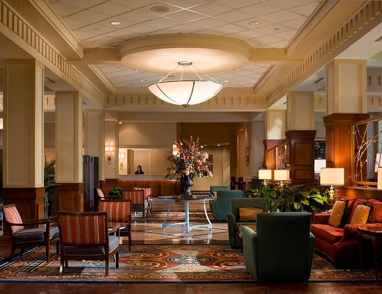 Crowne Plaza Memphis East: Hotel Lobby