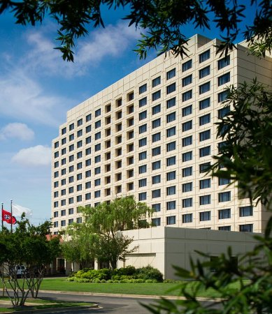 Welcome to the Crowne Plaza Memphis East