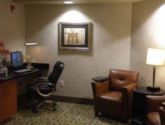 Miramar, FL: Business Center