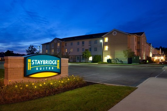 Mayfield Heights, Ohio: Hotel Exterior