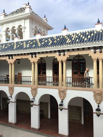 San Juan de la Maguana, สาธารณรัฐโดมินิกัน: The restaurant is located inside this beautiful building