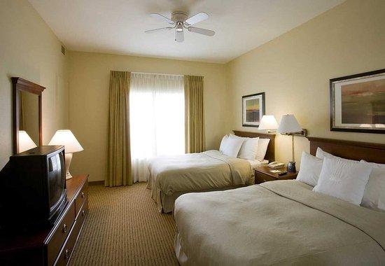 Cranford, NJ: Double Bed Suite