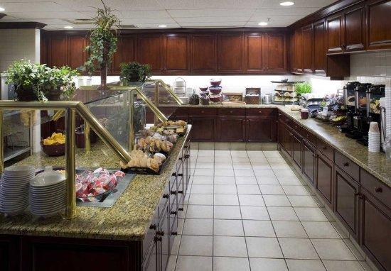 Cranford, NJ: Breakfast Area