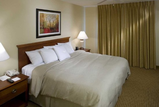 Cranford, NJ: King Suite