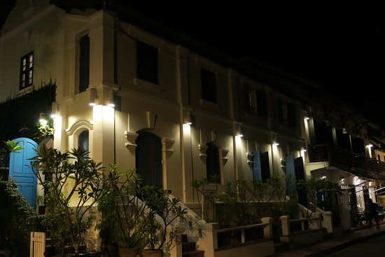 The Belle Rive Boutique Hotel: Hotel at night
