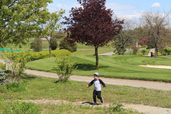 St. Catharines, Canada: Enjoying the outdoors after brunch