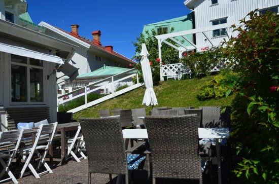 Nautic Hotell Marstrand: lovely outside areas to sit in or take your breakfast