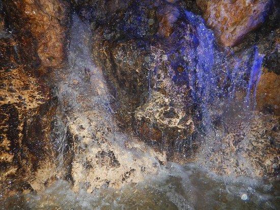 Shigira Ougon Onsen: 洞窟プール