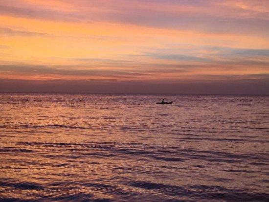 Tablas Island, Philippines : Sunset at Footprints