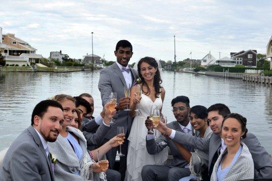 Westhampton Beach, NY: Cheers!