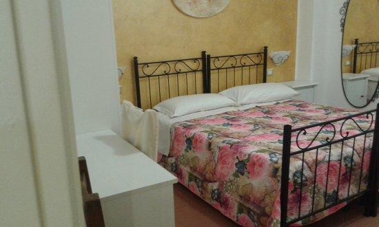 Furci Siculo, Italia: Camere doppie. triple.