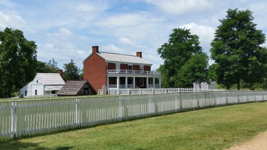 Appomattox, VA: Front of McLean House