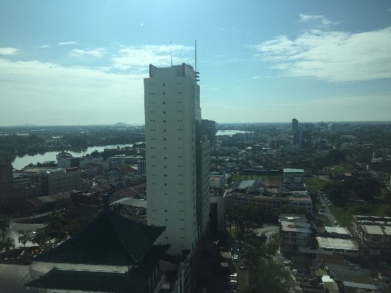 Pullman Kuching: Daytime view from the 17th floor