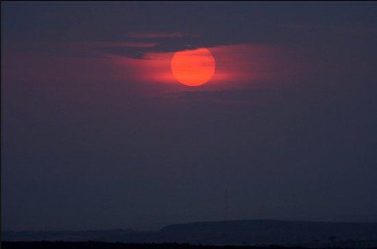 Oldarpoi Mara Camp : Amazing sunset at Nashulai