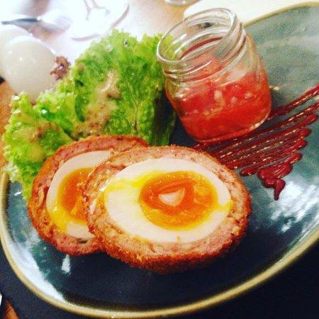Llanmadoc, UK : Scotch Egg