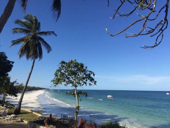 Baobab Beach Resort & Spa: Le rêve bisou à Lucy de la réception