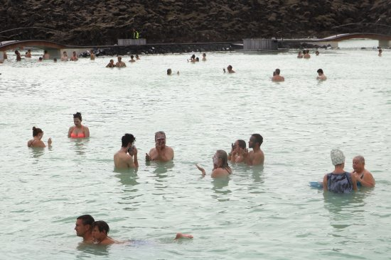 Blue Lagoon Iceland: LOTS of room to enjoy