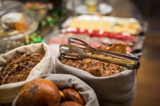 Hotel Golden Deer: Snídaně / Breakfast