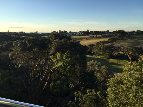 Portsea, Australien: View overlooking golf course