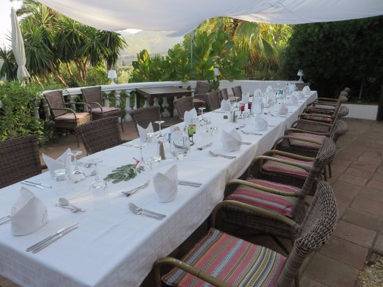 Hotel Finca el Cerrillo: Dining on the terrace