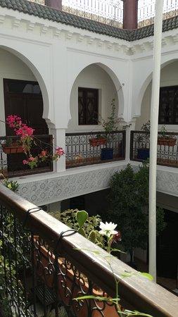 Riad Shaloma: Vista del primer piso