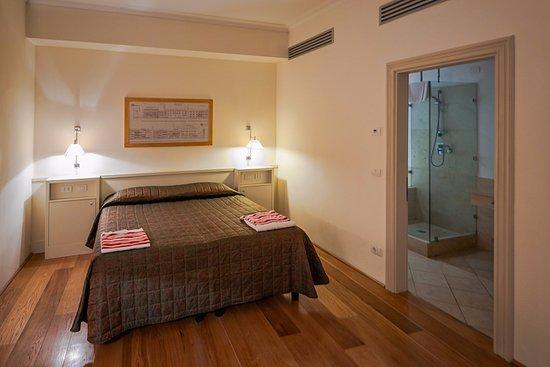 Rignano sull'Arno, Italia: Номер и протекающий душ