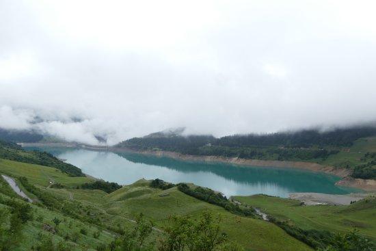 Areches, Prancis: Roselend dans les nuages...