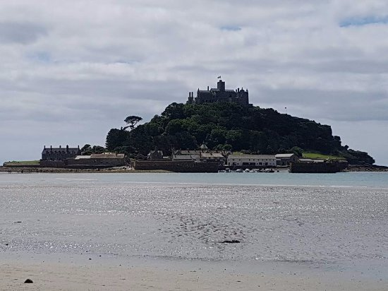 Marazion, UK: The view from the beach