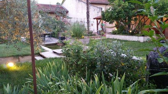 Mirande, Prancis: le jardin