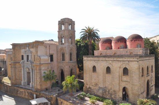 Fontana della Vergogna (Fontana Pretoria) : Concatedral de Sta. Mª del Almirante y San Cataldo