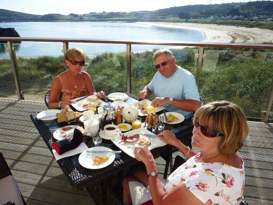 Alderney, UK: Breakfast Al Fresco