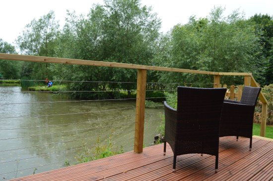 Dilton Marsh, UK: All our Lodges overlook the beautiful Fairwood Lakes
