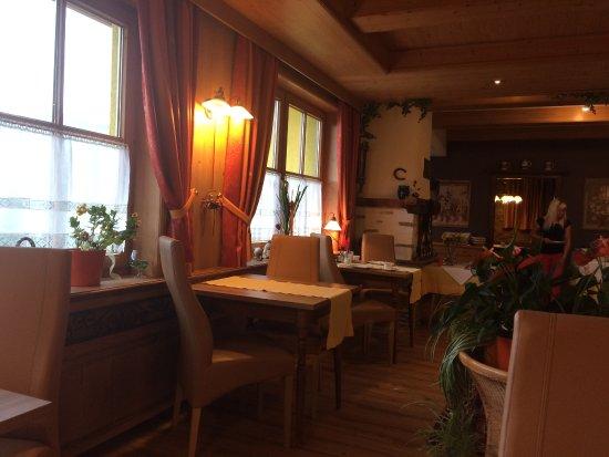 Nussdorf am Attersee, Austria: Snídaňová místnost
