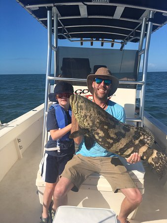 Goodland, Floryda: Great time out on the water with Captain Richard. Most exciting trip we have had yet. Tons of ke