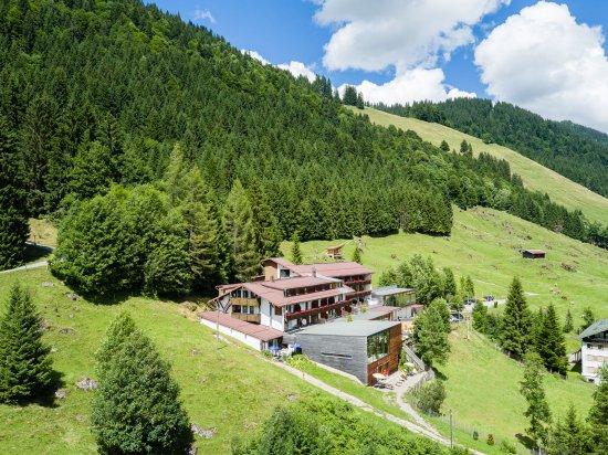 Balderschwang, Tyskland: Herrliche Lage in den Bergen