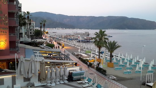 Hotel Marbella: Evening towards the marina. From balcony.