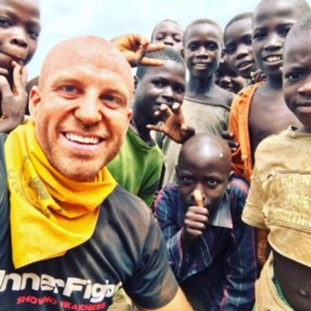 Jinja, Uganda: Photo with the local kids by the Nile