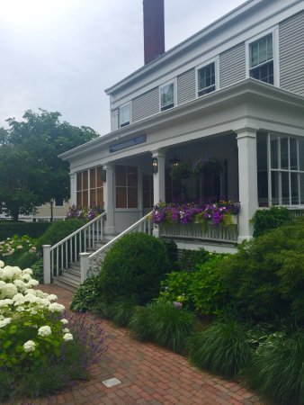 The Roberts Collection - Manor House Inn: photo2.jpg