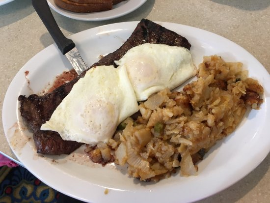 Cortlandt Manor, NY: Skirt Steak and Eggs
