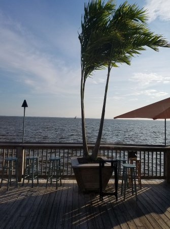 Sunset Grille & Raw Bar : The view to the sound