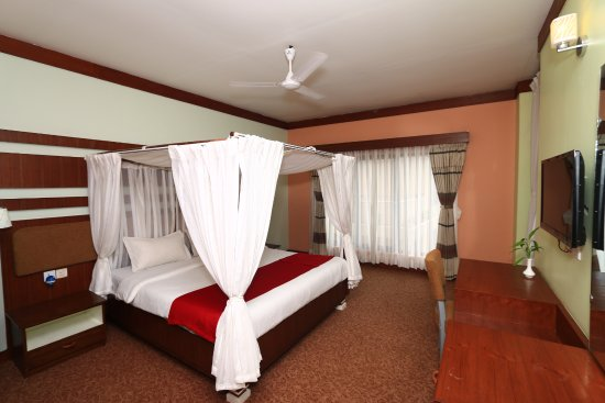 Bharatpur, Nepal: Suite room with king size bed.