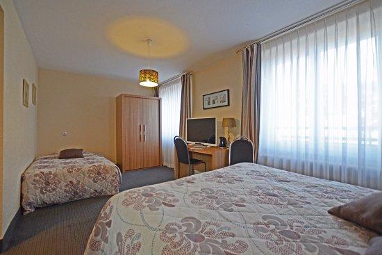 Hotel la reserve g rardmer france voir les tarifs for Numero chambre hotel