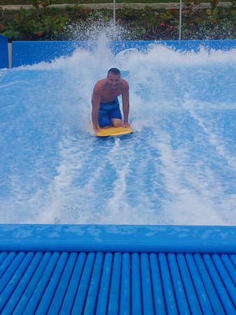 San German, Пуэрто-Рико: a cool surfing pool