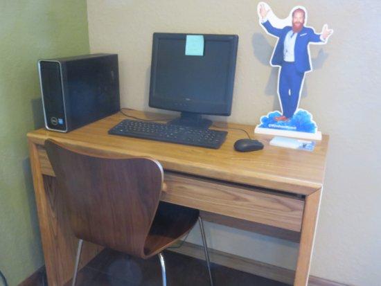 เกรย์ลิง, มิชิแกน: Public computer use in the lobby