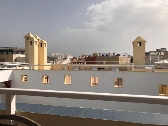 Riad Watier: Rooftop breakfast area
