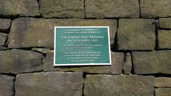 Peak District National Park, UK: Kinder Trespass plaque, Kinder Road, Hayfield