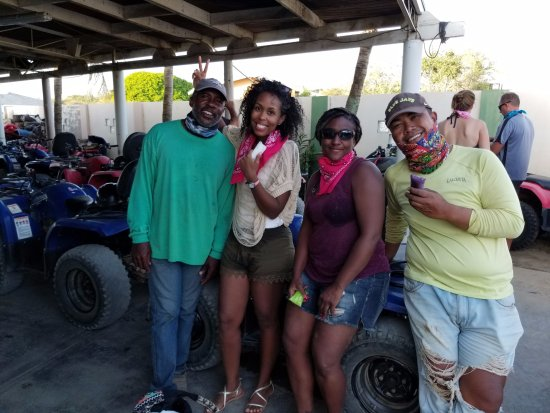 Paradera, Aruba: The end of our Tour with guides Raphael and Wendal