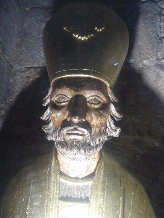 Saint-Bertrand-de-Comminges, Γαλλία: Chasse contenant la tête de Saint Bertrand