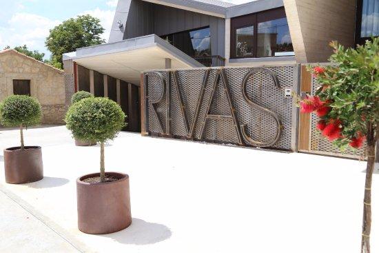 Restaurante Rivas RR: RR nueva fachada tras la reforma 2017